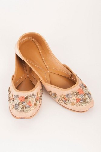 Women Fashion Khussa Shoes Heel Size: Flat
