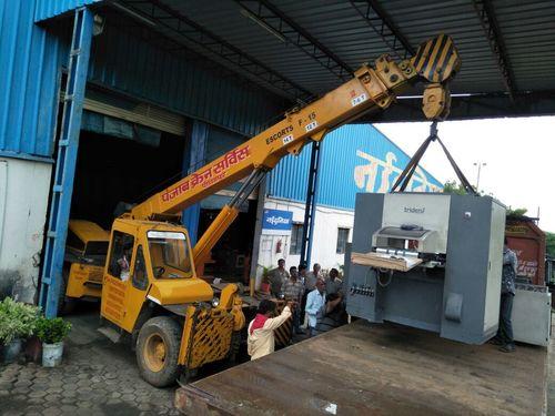 Crane Service in   Sec-1
