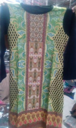 Premium Ladies Woolen Kurtis in  Mochpura Bazar
