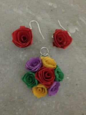 Paper Quilled Earrings with Pendant