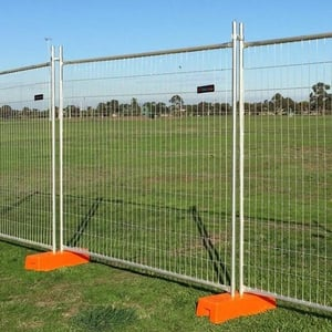 Hot Galvanized Crowd Control Barrier /Movable Road Fence