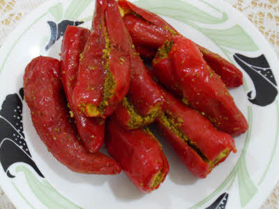 Red Stuffed Chilli Pickles in  Hazratganj
