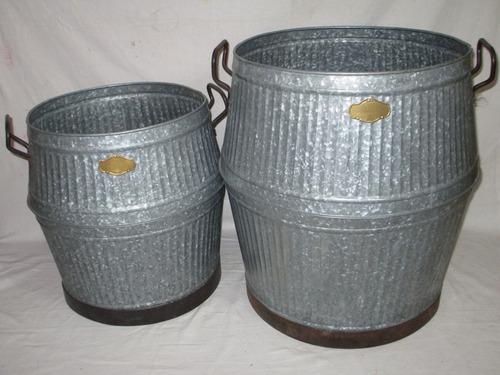 Antique Galvanized Iron Finish Planter (Set Of 2)