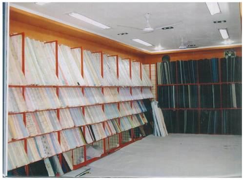Commercial Garment Rack in  Govandi