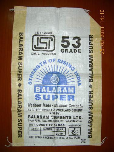 Un Laminated Cement Bags