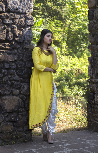 Stylish Ladies Kurta With Dhoti in  Kandivali (E)