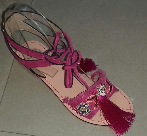 f11dbf34b Designer Ladies Leather Sandals - NAAZ EXPORTS PVT. LTD.