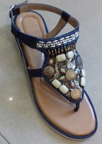 527fc9a4e Fashionable Ladies Leather Flat Sandals - NAAZ EXPORTS PVT. LTD.