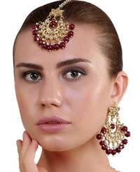 Kundan Earrings With Maang Tikka