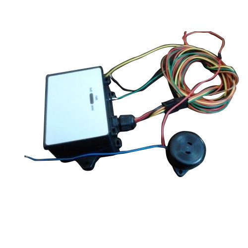 Vehicle Tracking Systems With Buzzer
