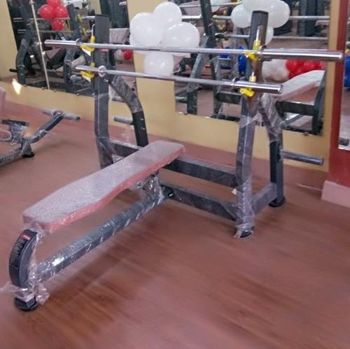 Gym Olympic Flat Bench Press