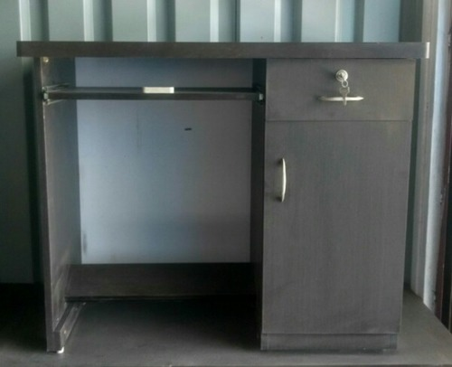 Manufacturer Of Office Furniture From Pune By Comfort Furniture Hub - Table for office use