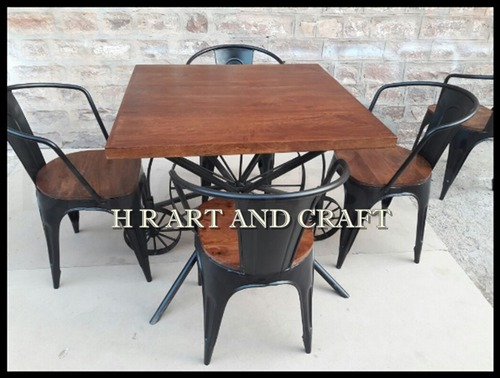 Cafe Table And Chair Set in  Basni Phase-Ii