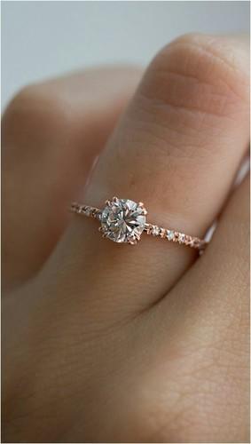 ab07166be249 18 Kt Gold Diamond Ring in Surat