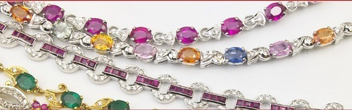 Ladies Gold Fancy Necklace