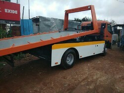 Hydraulic Flat Bed Towing Vehicle