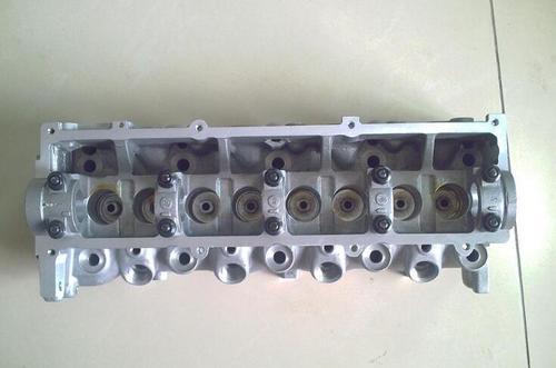 Mazda Car R2 Cylinder Head