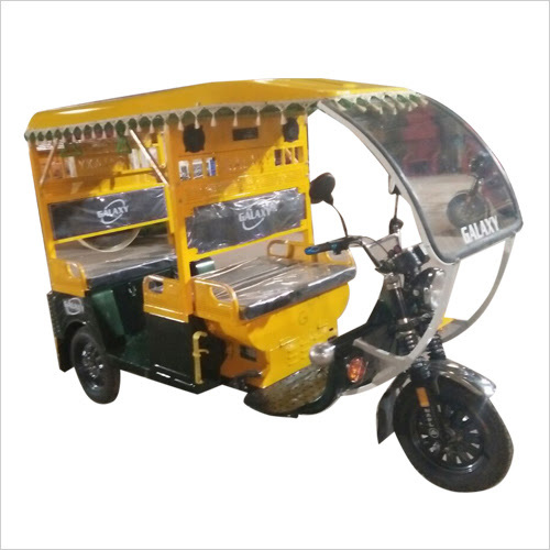 Modern Battery Operated E Rickshaw