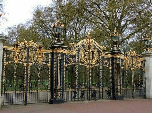 Designer Heavy Park Gate