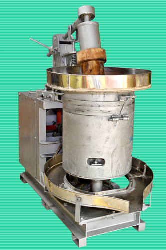 High Efficiency Wood Cheeku Machine