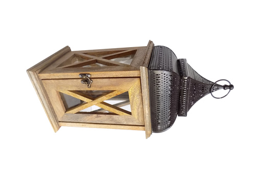 Good Looking Designed Wooden Lantern