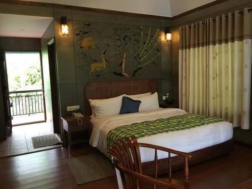 Interior Restaurant And Hotel Decoration Service