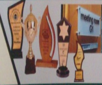 Wooden Trophy with Seamless Finish