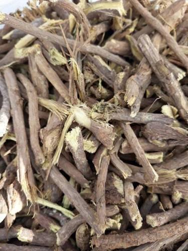 Hand Cut Licorice Roots in   Bahadurabad
