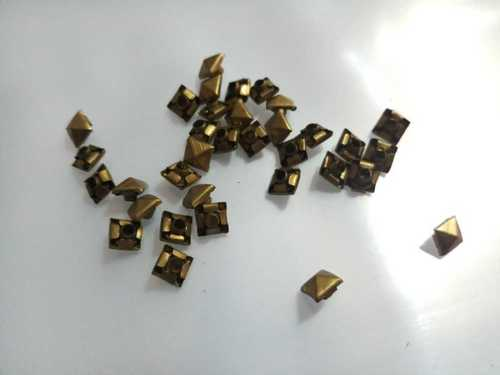 Customized Brass Pyramid Buttons in  Khajuri Khas