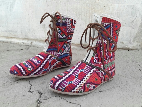 Hand Embroidered Ladies Shoes