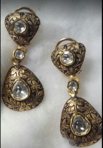 Ladies Gold Fancy Earrings
