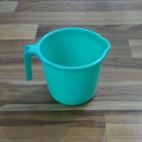 Durable Plastic Bath Mugs