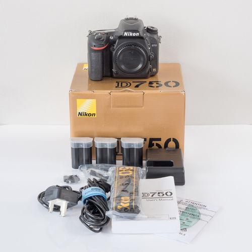 Dslr Camera (Nikon D750)