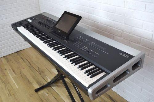 Keyboard (Korg Oasys 76)