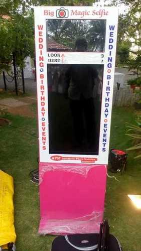 Big Selfie Booth