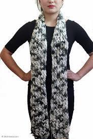 Excellent Finish Woolen Muffler Gender: Female