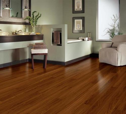 Good Quality Laminated Wooden Flooring