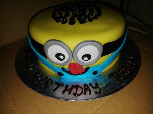 Customized Minion Birthday Cake