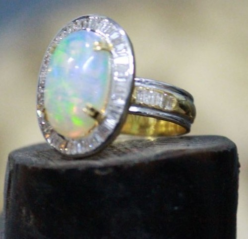 K 14 Gold Ring with Diamond And Opel