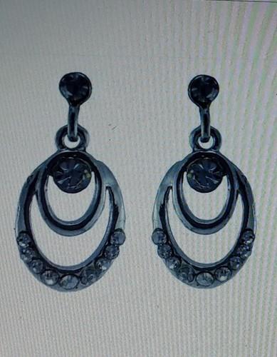 Exclusive Look Earring Set