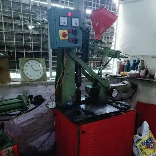 Plastics Blow Moulding Machine