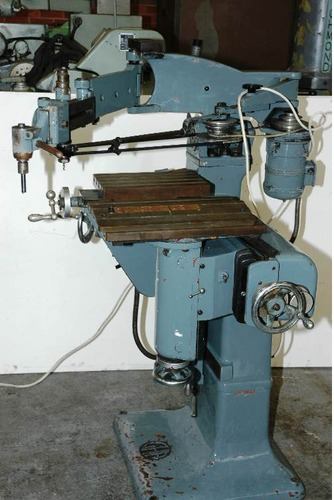 Three Dimentional Pantograph Milling Machine
