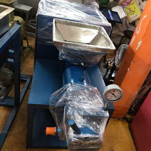 Industrial Detergent Cake Making Machine