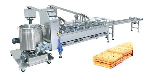 Square Biscuit Cream Sandwiching Machine