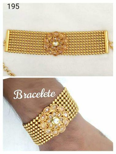 Attractive Fashion Bracelet For Ladies