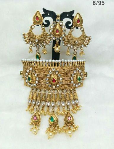 Fancy Kundan Pendant Set
