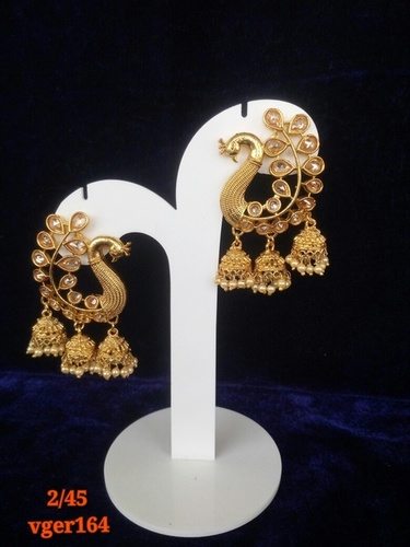 Trendy And Fashionable Hanging Earrings