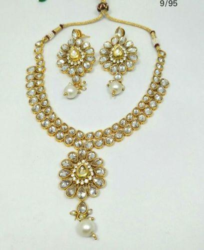 Trendy Fancy Necklace Set