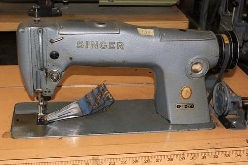 Sewing Industrial Machine (Singer)
