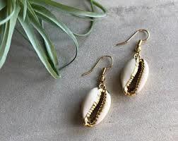Beautiful Shell Earring Set